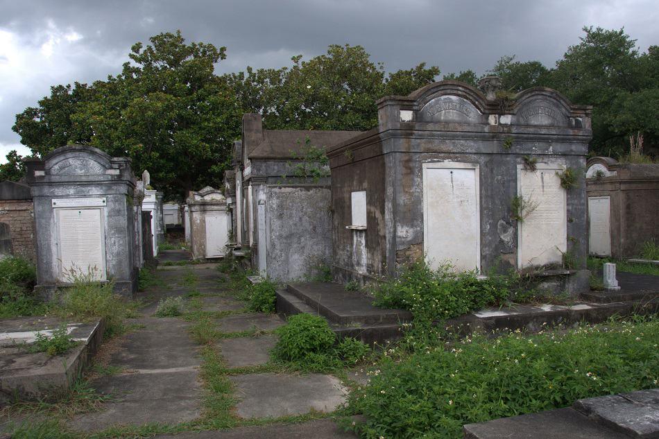julia_new-orleans_lafayette-cemetery_950x633