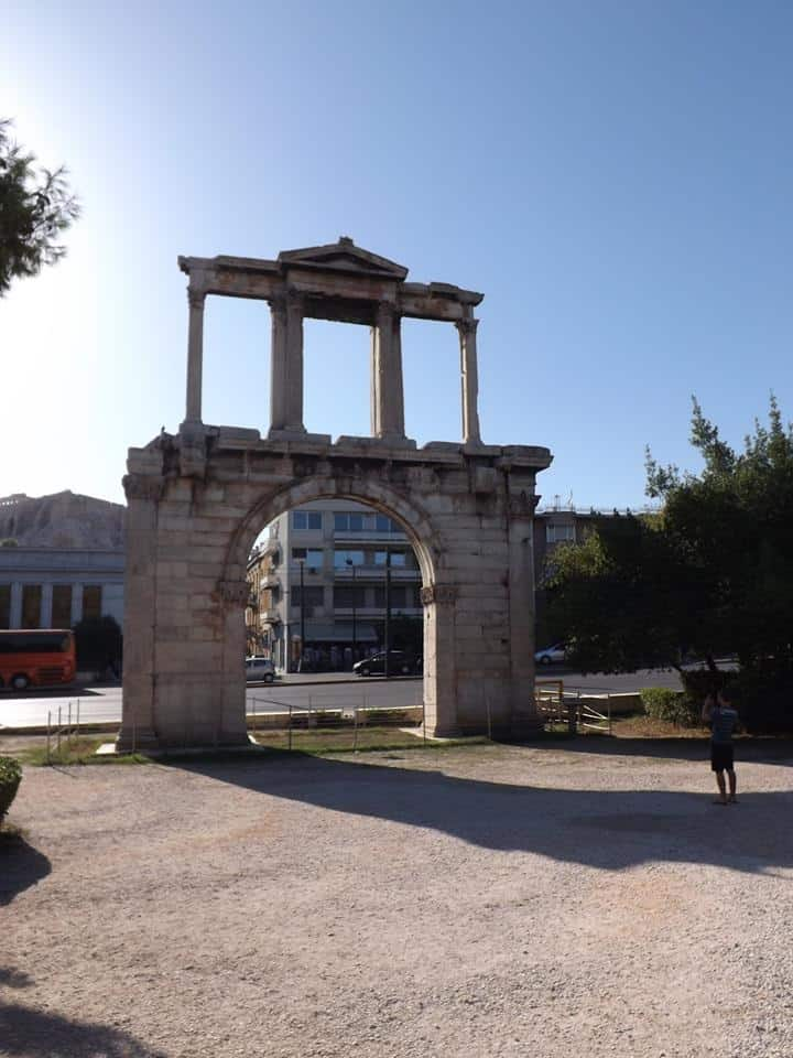 chris_athens_hadrians-arch_720x960