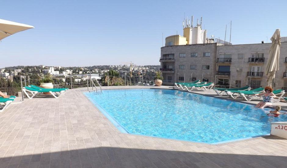 Review king solomon 39 s hotel jerusalem for Hotels in jerusalem with swimming pool