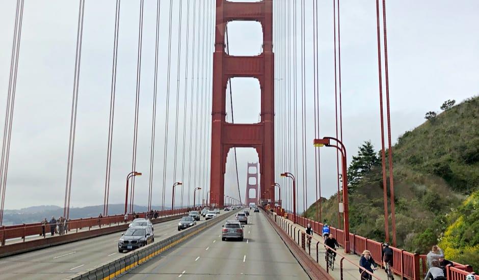 Hop-On Hop-Off Bus San Francisco - Golden Gate Bridge