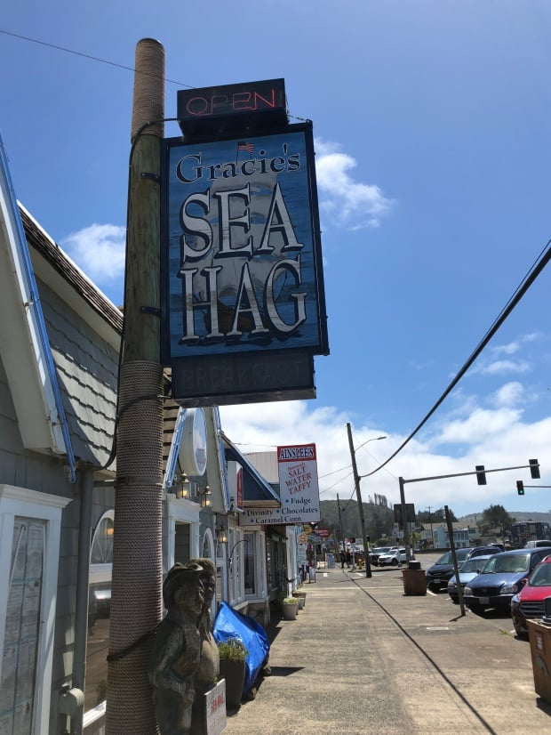 Lincoln City, Oregon - Gracie's Sea Hag Restaurant, Depoe Bay